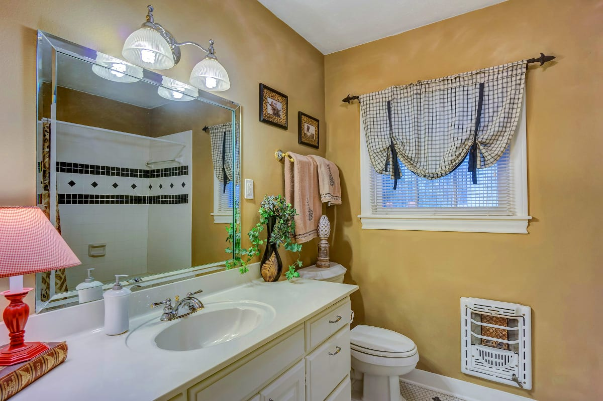 Best Small Bathroom Colors Texas Painting
